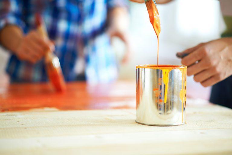 Usages de la peinture (murs, sols, créations d'effets, etc.)