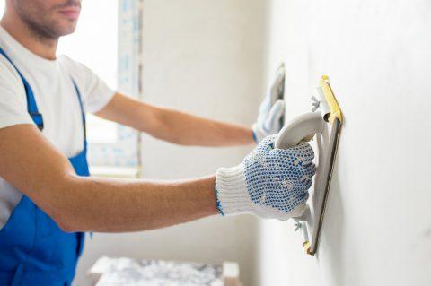 Comment préparer son support avant de le peindre ? (sol, tableau, plafond, etc)